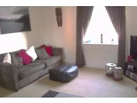 Large double bedroom with en suite - top floor flat