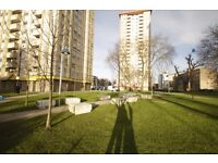 FLAT IN BUILDUING HAS ITS OWN LITTLE PARK IN A CLOSED AREA, AMAZING TWIN ROOM TO LET REF: 60D