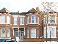 Beautiful Period 2 Bed Flat On Stormont Road Ideal For Sharers Close To Station & Shops Must See