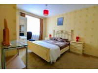 Very Specious double room in a shared house with garden on Caistor Road, Balham £750 30th Aug.