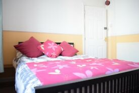 4 Bedroom House in Bangor -individual or group booking+ Fully furnished + garden + car park