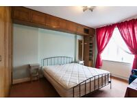 VERY BIG AND CLEAN ROOM WITH DOUBLE BED
