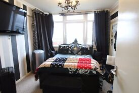 TWO DOUBLE BEDROOMS, WELL LOOKED AFTER PROPERTY LOOKING OVER THE LONDON SKYLINE!!