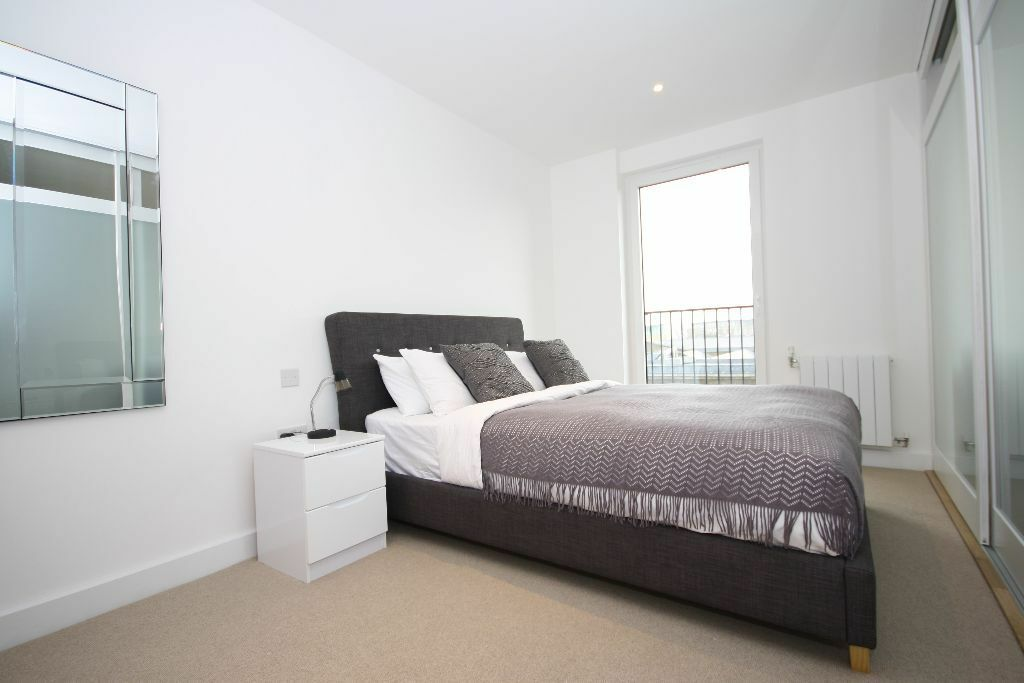 1 bed apartment in the popular Royal Arsenal Riverside, fully furnished
