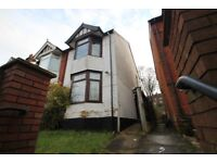 158HughendenRoad. *A Well Presented Three/Four Bedroom House * STUDENT WELCOMED*