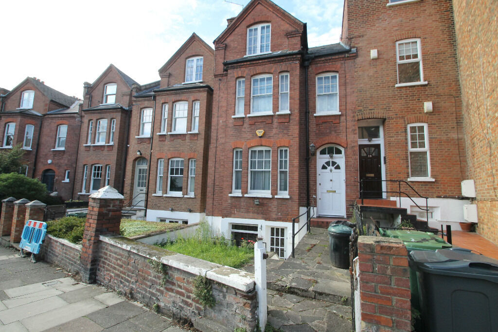 Beautiful one bedroom garden flat in the Camden/Highgate borders moments to tufnel park station