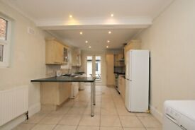 FOUR BEDROOM HOUSE -MINUTES TO TUBE