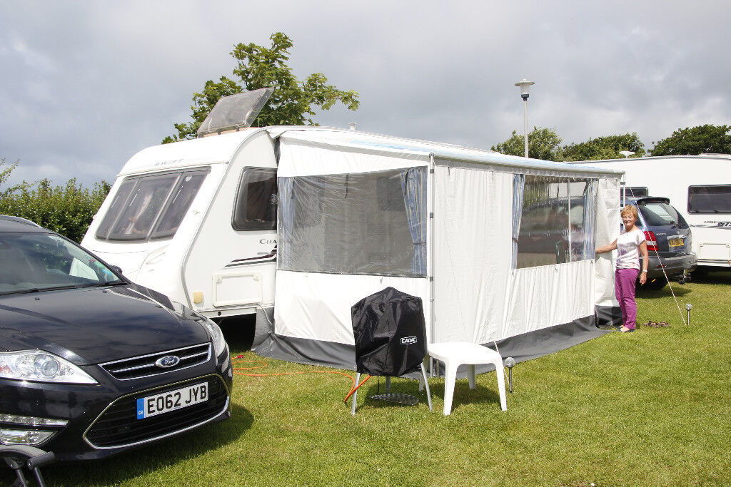 Fiamma Awning 420 And ZIP Privacy Room For Caravan Complete With Curtains