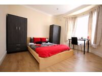 Lovely LARGE Size Bedroom Near Station !!! - Bills Included