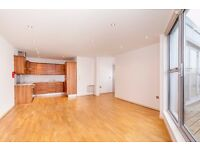 E1 ALDGATE EAST NEWLY LARGE SPACIOUS PENTHOUSE 2 BEDROOM WAREHOUSE CONVERSION CLOSE TO STATION