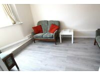 FABULOUS GREAT VALUE MODERN 1 BEDROOM FLAT NEAR ZONE 3 TUBES, 24 HOUR BUSES, SHOPS & SUPERMARKETS