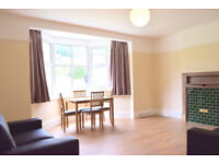 Spacious and bright 3 bedroom flat in Forest Hill