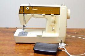 SINGER 385 SEWING MACHINE MonAmi/Genie