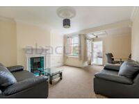 Spacious two bedroom two bathroom in Mapesbury