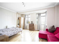 Spacious & bright studio in Marylebone. Amazing transport links - a minute away from the station!