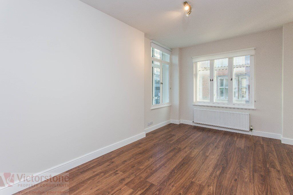 Beautiful, Spacious, Newly Refurbed One Bedroom apartment located next to warren street station.