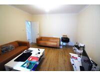 Excellent & Massive 5 bedrooms semi-detach House with 3 Toilets & Bathrooms, Barking -- No DSS Plz