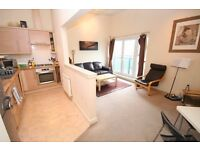2 Bed Top Floor Apartment, Maryhill Rd with Private Parking