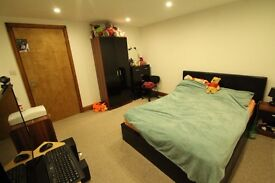 Amazing TFF One Bedroom Property located Central Town Uxbridge
