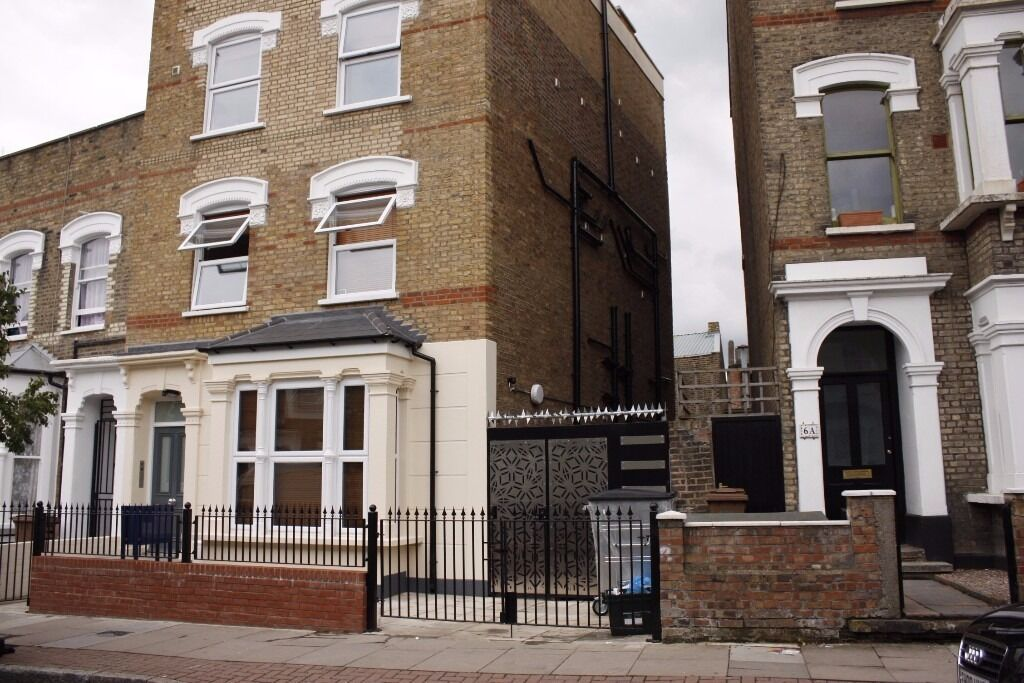 MASSIVE STUDIO FLAT TO RENT NEXT TO NOT FAR FROM RECTORY ROAD STATION CALL NOW TO ARRANGE A VIEIWNG