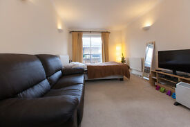 ***** MASSIVE Double for Single / Couple in SHADWELL*****