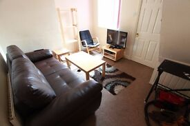 Gorgeous 3 Bed Student House - £65 p.w. - No Deposit!!!