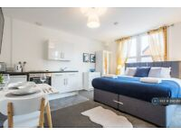 1 bedroom flat in North Road, Westcliff-On-Sea, SS0 (1 bed) (#898088)