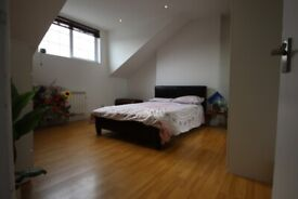 A BRIGHT AND VERY SPACIOUS (1) ONE BED/BEDROOM FLAT - FINSBURY PARK - N7