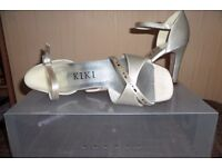 Cream Satin Bridal shoes, size 3, worn once