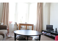 A great split level flat, with two double bedrooms close to Archway and Highgate tube