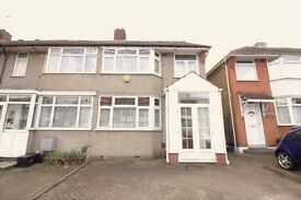 WOODFORD IG8 - LOVELY GROUND FLOOR FLAT - EXCELLENT CONDITION - PRIVATE GARDEN - READY NOW £213PW