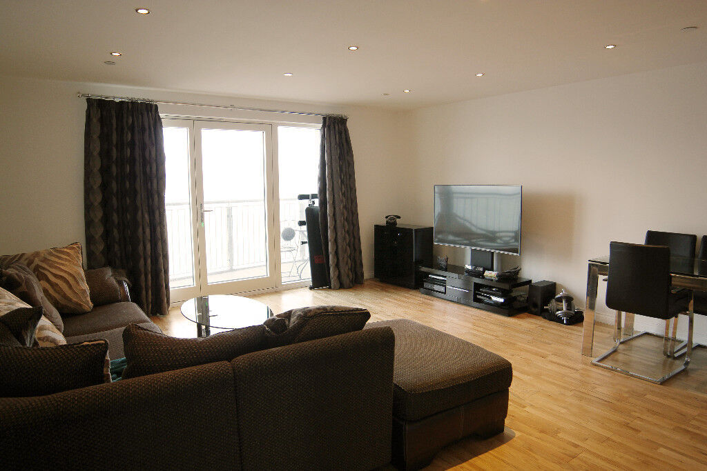 Room to Rent in Dundee City Quay, £490 per month (All bills included)