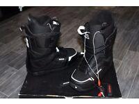 BURTON MOTO SNOWBOARD MEN'S BOOTS SIZE US12 UK 11 NEW