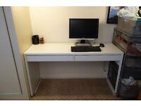 White modern desk - like new condition - IKEA MICKE