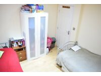 Large Double with Balcony - Tooting Bec - ALL BILLS - £695 PCM