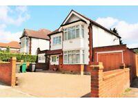 4 bedroom house in Brent Street, Hendon, NW4