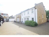 STUNNING FOUR BEDROOM MEWS HOUSE, GATED, PRIVATE GARDEN, PARKING NEAR SOUTHFIELDS STATION!!