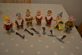 The Seven Dwarfs and Accessories (Toys)