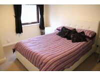 Large furnished double room to rent in modern detached house, own bathroom