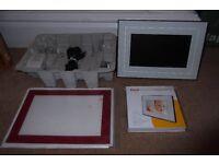 "Kodak M820 8"" Digital Multimedia Photo Frame - 128 MB Memory, 2 SD Card Slots, USB - White"