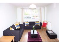 STUNNING 2 BED 1 BATH FULLY FURNISHED APARTMENT IN LYNDHURST LODGE, MILLENNIUM DRIVE, DOCKLANDS E14