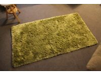 whisper hand-tufted very soft rug - apple color