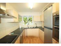 3 bedroom flat in Woodburn Close, Brent Street, Hendon, NW4
