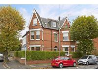 2 bedroom flat in Brunswick Road, Kingston Upon Thames, KT2