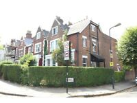 GREAT VALUE SUPERB SPACIOUS 1 BEDROOM GARDEN FLAT NEAR ZONE 2 NIGHT TUBE, 24 HOUR BUSES & SHOPS