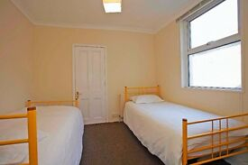 Ensuite room to share with a friendly girl. All bills included. Leyton