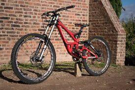 Downhill Bike Specialized Demo 8 M FSR II World Cup Fork