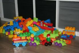 Megabloks / megablocks bag over 150 pieces plus vehicles and figures