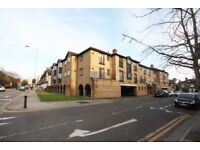 1 bedroom flat in Hardman Road, Kingston Upon Thames, KT2