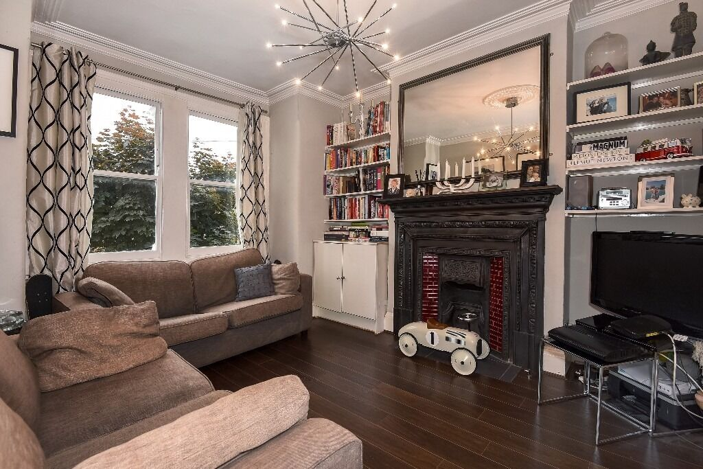 Three Bedroom Maisonette With Roof Terrace & Private Garden, Sellincourt Road, SW17, £2500 per month